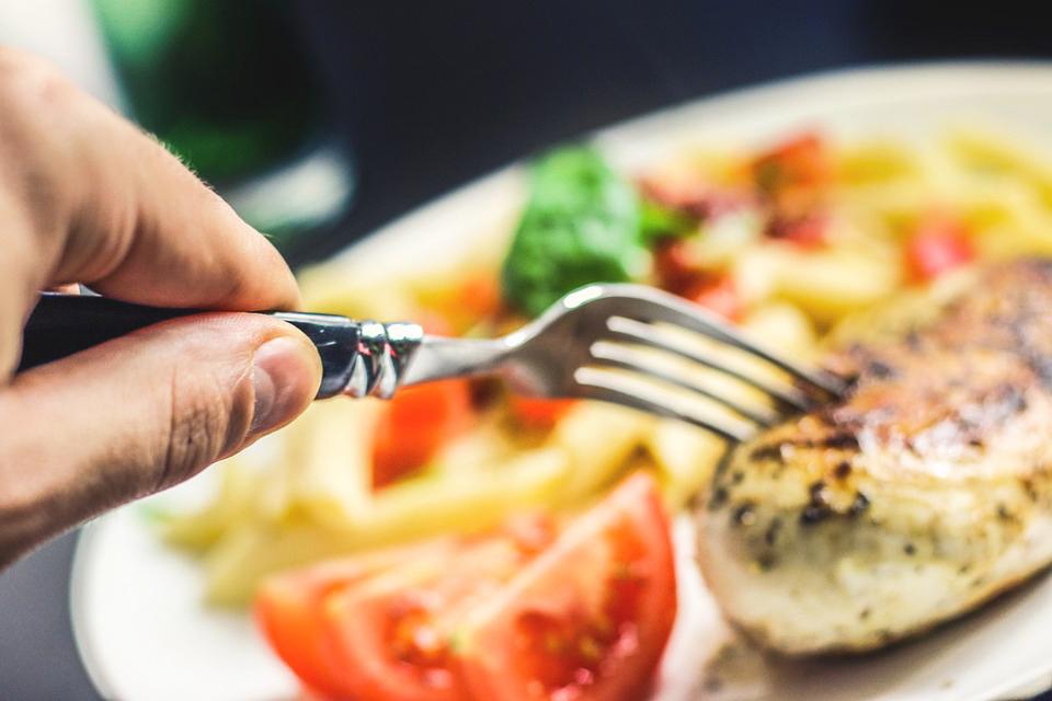 讓你吃出飽足感! 5種幫助減肥的飲食方法