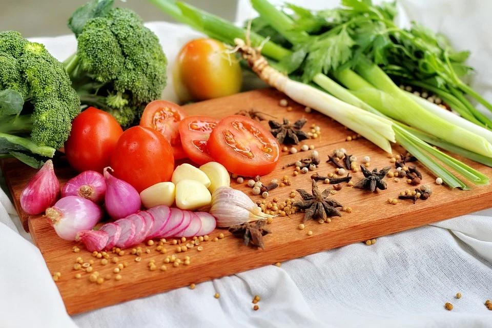 富含新鮮蔬菜、水果和纖維的飲食模式 對糖尿病患者血糖控制有重大益處